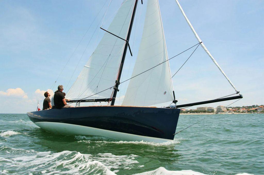 CAPE COD rosewest navigation sur tribord