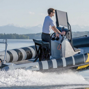 semi-rigide zenpro naviwatt 580 navigation tribord