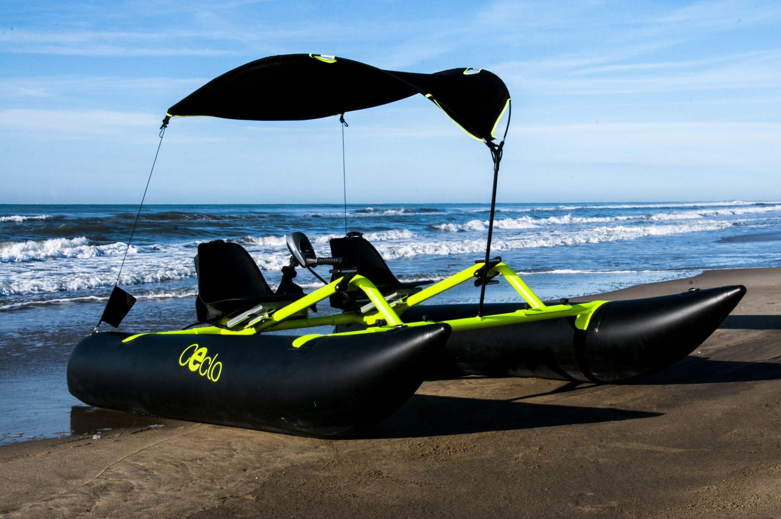 catamaran électrique gonflable CECLO FUN X2 vue de la plage
