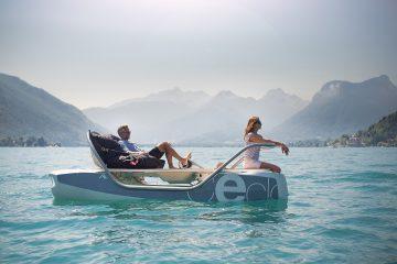 waterbike électrique CECLO Luxe original vue en action sur l'eau