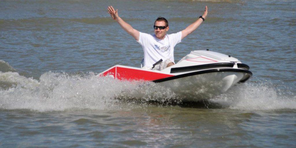 bras en croix en kart gliss speed