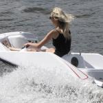 fille de dos en kart gliss speed run
