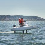 catamaran électrique à foil overboat en nav vue tribord