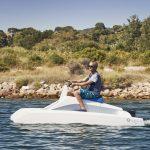 overboat sur l'eau vue babord