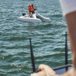 overboat télécommandé avec enfants