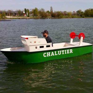 Le chalutier electrique pour enfant de saviboat