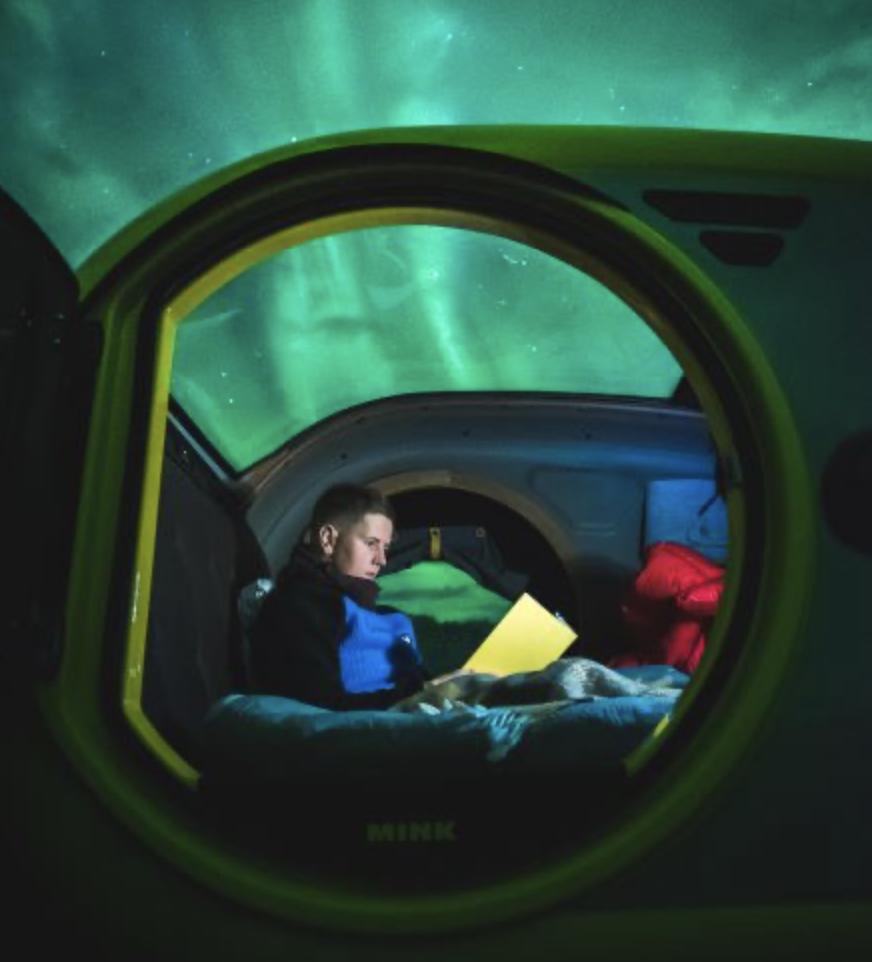 mini caravane Mink Campers & aurore boréale