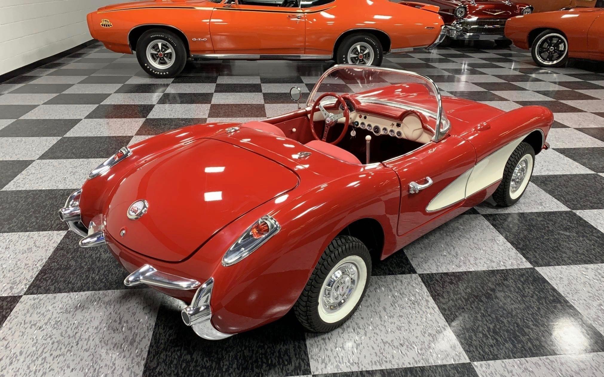 Corvette rouge 3:4 ar droit