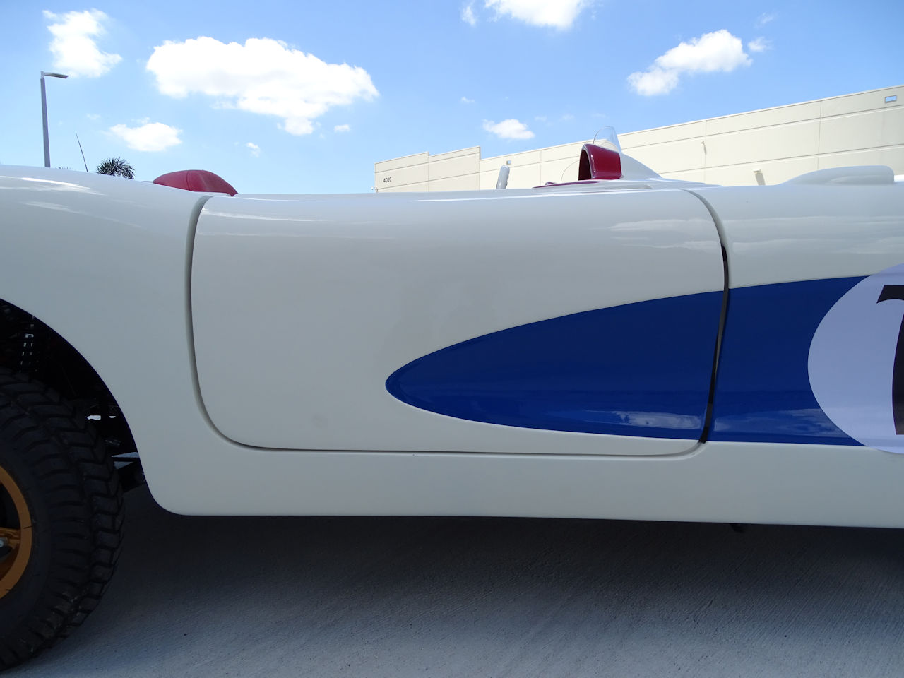 Corvette sebring porte coté