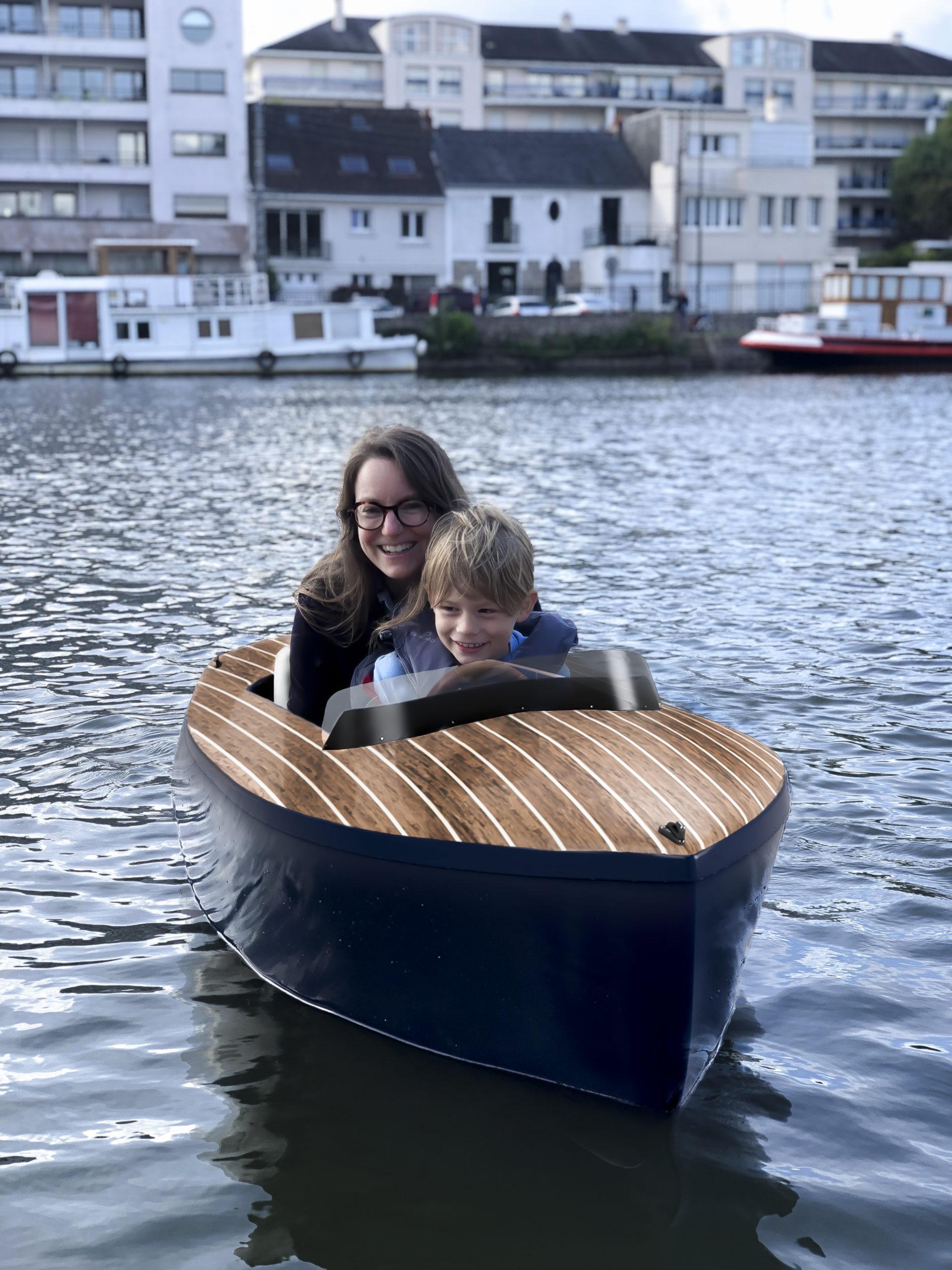 Runabout Dandy bateau et enfant