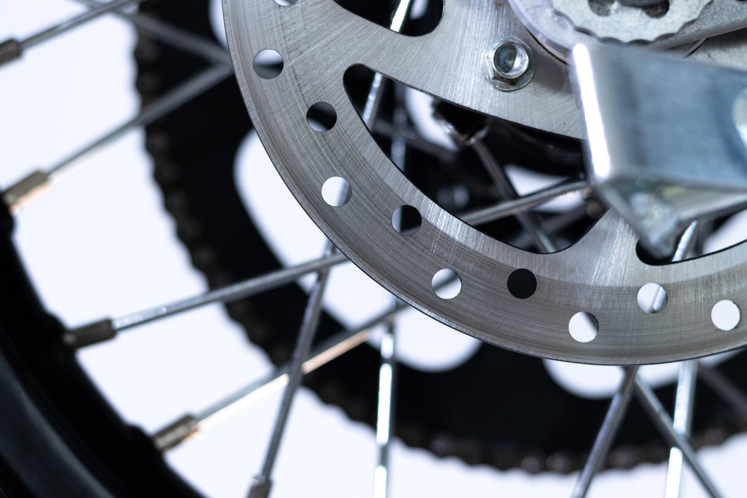 moto enfant torrot détail frein à disque